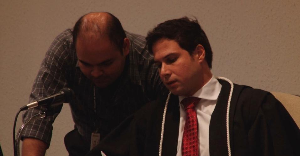 2.ago.2013 - O juiz Rodrigo Tellini de Aguirre Camargo preside o último dia da segunda parte do julgamento do Massacre do Carandiru, que acontece no Fórum Criminal da Barra Funda, na capital paulista. A sentença deve ser divulgada na madrugada do sábado (03)