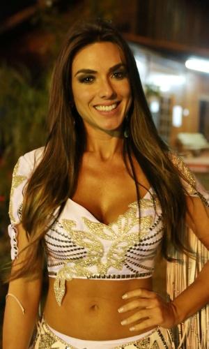 18.ago.2013 - Nicole Bahls, apresentadora do programa Pânico na Band, participa de atividades na Festa do Peão de Barretos. O evento, realizado anualmente, já está em sua 58ª edição