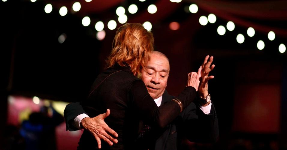 23.ago.2013 - Em imagem divulgada nesta sexta-feira (23), casal dança em área para não competidores do Campeonato Mundial de Tango Argentino, em Buenos Aires, nesta quinta (22)