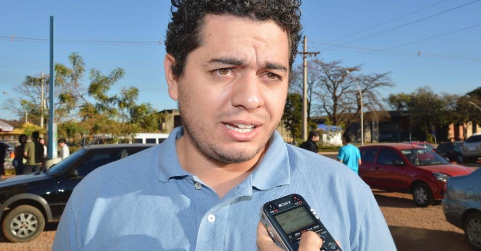 """""""Diria que o nível [de dificuldade] da prova é bom, nem fácil, nem tão difícil. O complicado mesmo é que ela é cansativa"""", diz   Daniel Santos Rodrigues Martins, médico formado em Cuba há três anos"""