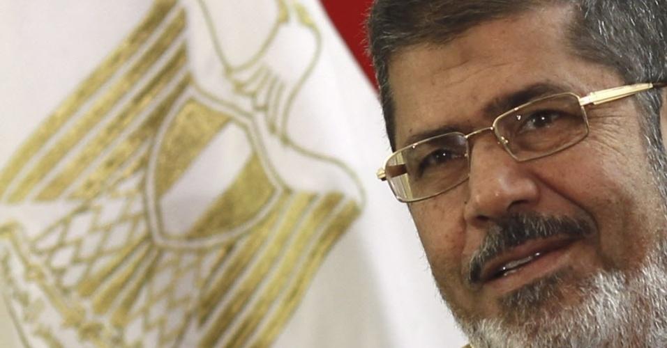 O presidente deposto do Egito, Mohammed Mursi, será julgado por