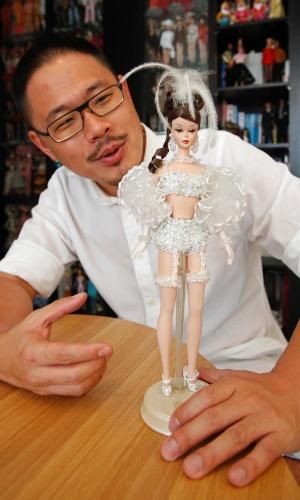 2.set.2013 - Yang, de 33 anos, comprou sua primeira Barbie aos 15 anos. Seu interesse pela boneca começou aos 13 anos, quando via propagandas da Barbie na TV