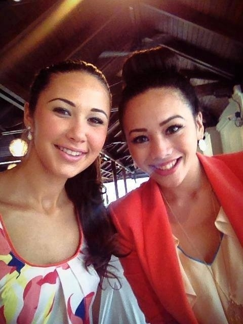 3.set.2013 - A Miss Mundo Malta conhece a Miss Mundo Guam. A Indonésia é o país sede do Miss Mundo 2013. As candidatas ficam quase um mês participando do certame, que terá sua final no dia 28 de setembro