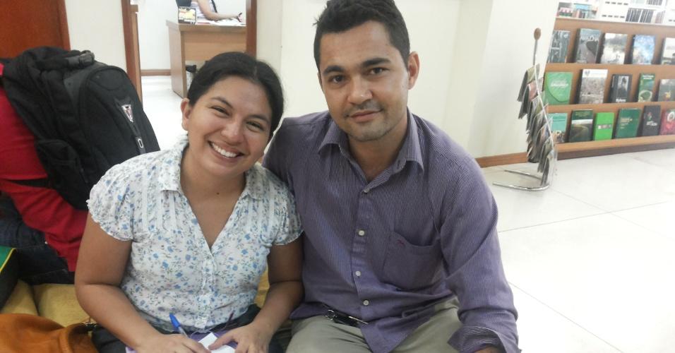 A médica peruana formada na Bolívia, Paola Edith, e o marido brasileiro, Jacinto Machado