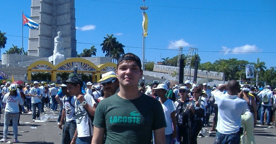 4.set.2013 - Angelo de Oliveira Teodoro - brasileiro que cursa Medicina em Cuba