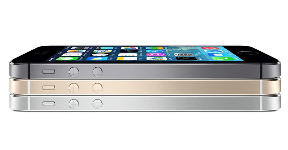 Além da versão de baixo custo, a Apple apresentou uma atualização iPhone 5 chamada iPhone 5s. Considerado o modelo topo de linha da marca, ele é todo feito de alumínio e será vendido em três cores: preto, prata e dourado.