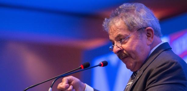 Em evento sobre democracia e combate à fome, Lula criticou espionagem de Obama