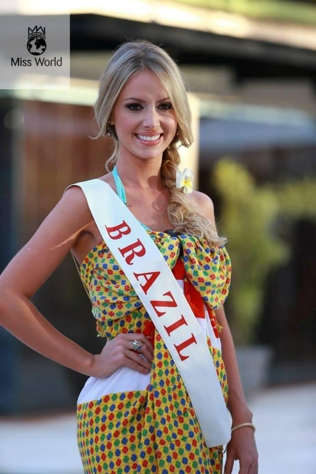 11.set.2013 - Sancler Frantz, a Miss Mundo Brasil 2013, durante desfile de moda praia no Miss Mundo 2013. Ela ficou entre as 11 candidatas classificadas