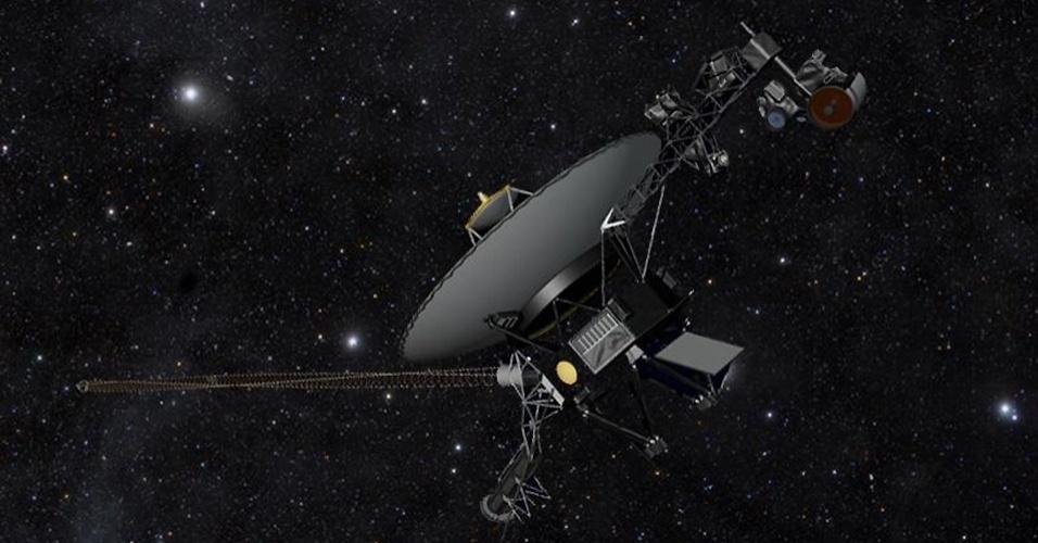 """12.set.2013- Concepção artística mostra como seria a Voyager 1 no espaço. Segundo estudo publicado na Science nesta quinta-feira (12), a nave espacial da Nasa (Agência Espacial Norte-americana) deixou a heliopausa, região considerada """"fronteiriça"""" do nosso Sistema Solar, e entrou no espaço interestelar em 25 de agosto de 2012. Até agora a Nasa não admitia que a nave tinha saído do Sistema Solar e entrado no meio interestelar. A nave, que foi lançada em 1977 e envia dados para a Terra por meio de inúmeros instrumentos, está a 19 bilhões de quilômetros do nosso Sol, distância que nenhum outro objeto feito pelo homem conseguiu chegar antes"""