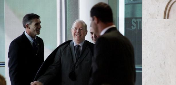 O ministro Celso de Mello, do STF (Supremo Tribunal Federal), desempatou o julgamento dos embargos infringentes no mensalão nesta quarta feira