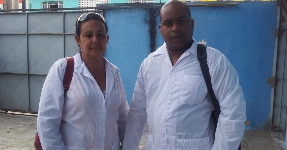 O casal de médicos Teresa Rosales e Alberto Vicente vai ficar na mesma cidade, mas em casas separadas em Recife (PE)