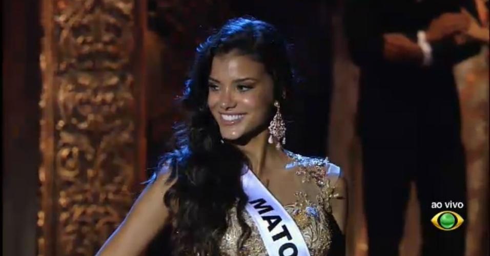 28.set.2013 - Miss Mato Grosso, Jackeline Oliveira, desfila com traje de gala durante o Miss Brasil 2013, em Belo Horizonte, neste sábado (28)
