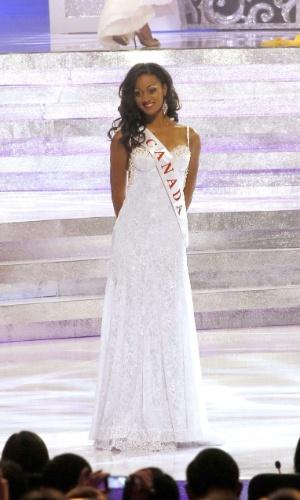 28.set.2013 - Camille Munro, Miss Canadá, se apresenta aos jurados do Miss Mundo 2013 realizado em Bali, na Indonésia