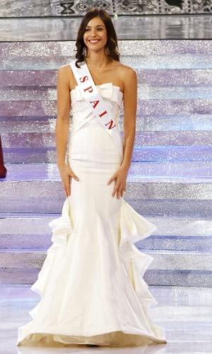 28.set.2013 - Elena Ibarbia, Miss Espanha, se apresenta no palco do Miss Mundo 2013 realizado em Bali (Indonésia). O concurso reúne 127 candidatas de várias partes do mundo
