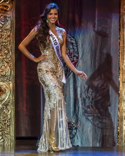 28.set.2013 - Jakelyne Oliveira, Miss Mato Grosso, durante desfile em traje de gala. A bela foi eleita Miss Brasil 2013 neste sábado (28)