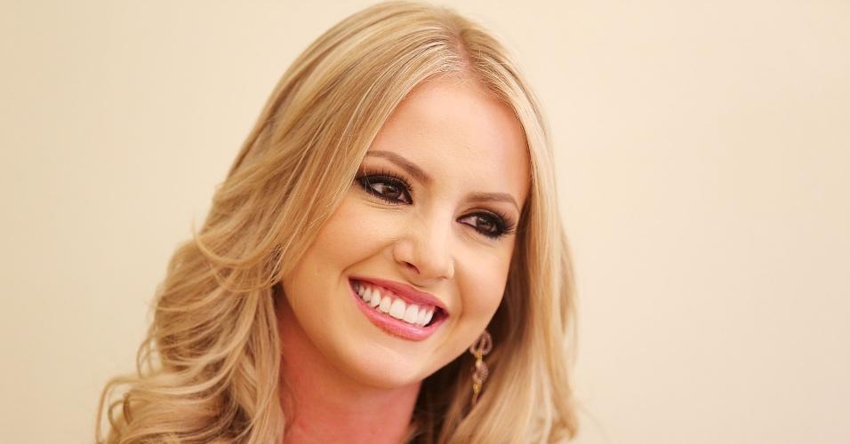 9.out.2013 - Sancler Frantz, a Miss Mundo Brasil 2013, logo após voltar do Miss Mundo 2013