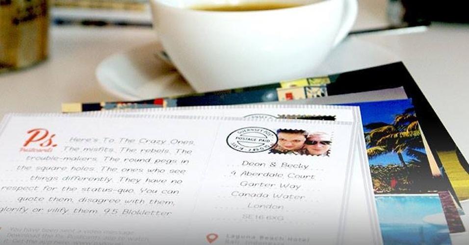 O hábito de enviar cartões postais de locais onde passamos férias acabou ficando para trás com o uso das redes sociais. Mas o aplicativo PS Postcards (disponível para iOS) quer resgatar isso: depois de baixá-lo, é possível criar um cartão postal personalizado, com fotos do usuário e uma mensagem escrita por ele. Depois, basta inserir o endereço e pagar £ 1,49 (R$ 5,25). O cartão é impresso no Reino Unido e enviado via Correio ao destinatário