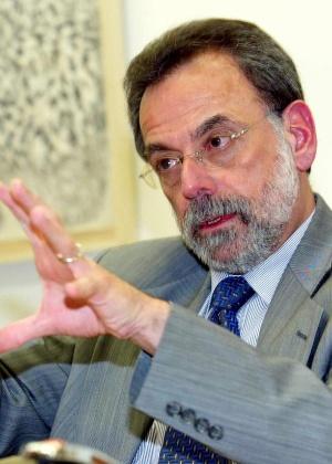 Bustani, atualmente embaixador em Paris, foi demitido da Opaq em um episódio polêmico em 2002