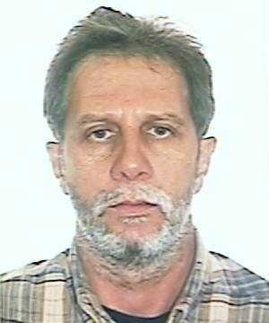 16.out.2013 - Álvaro Ismério Souza, 55, é procurado por assassinato