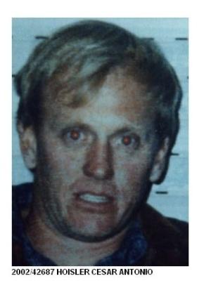 16.out.2013 - Cesar Antônio Hoisler, 47, é procurado por homicídio