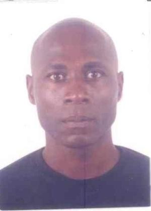 16.out.2013 - Jailson da Glória Chaves, 52, nascido em Alagoinhas, Bahia, é procurado por estupro