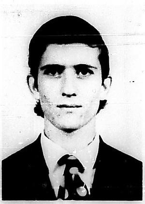16.out.2013 - Júlio Roberto Marafon, 53, nascido em Cornélio Procópio, Paraná, é procurado por homicídio qualificado
