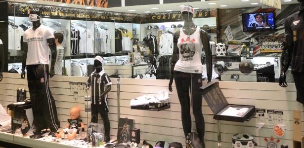 Lojas Todo Poderoso Timão sofrem com fechamento em massa