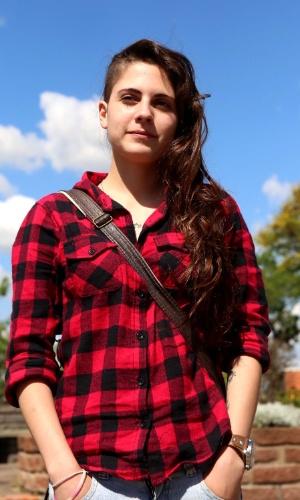 27.out.2013 - Em Porto Alegre, a estudante Gabriela Togni, 18, reclamou dos enunciados longos no segundo dia de prova do Enem 2013.