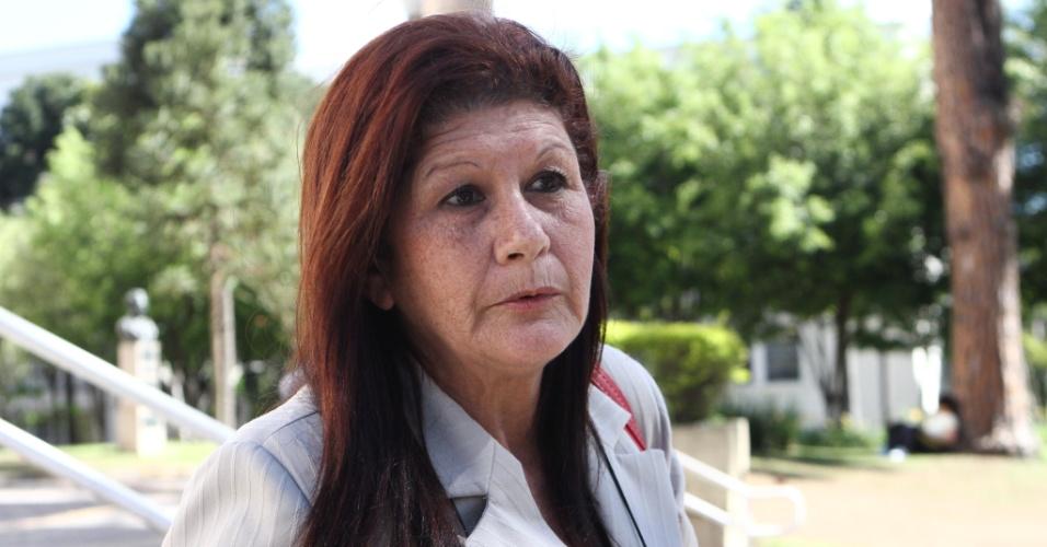 27.out.2013 - Neusa Guerra, 55, fez hoje o segundo dia do Enem em Curitiba e quer concluir o ensino médio