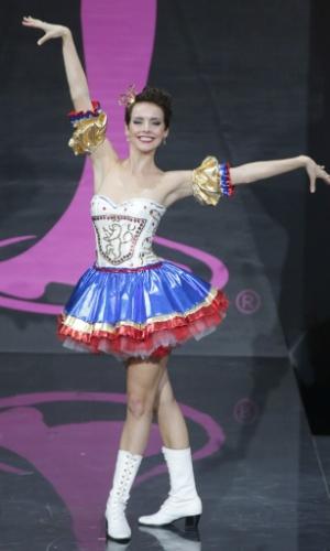 4.nov.2013 - Gabriela Kratochvilova, Miss República Tcheca, em traje típico do país