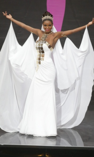 4.nov.2013 - Titi Yitayish Ayanaw, Miss Israel, em traje típico do país