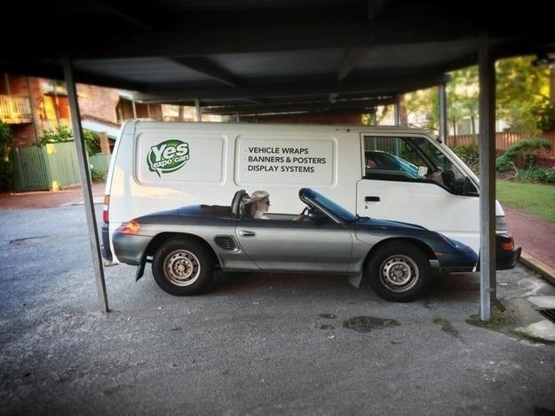 5.nov.2013 - Não é um conversível com as rodas de uma van. É apenas uma pintura no veículo