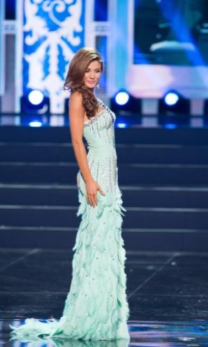 5.nov.2013 - Constanza Baez, Miss Universo Equador 2013, desfila em traje de gala durante Competição Preliminar do Miss Universo. A final acontece neste sábado (9) em Moscou, na Rússia