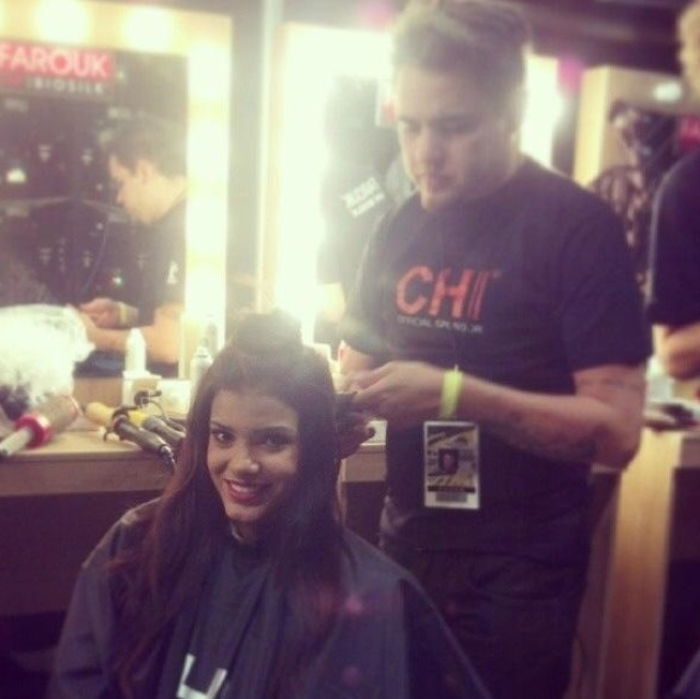 9.nov.2013 - Jakelyne Oliveira, Miss Brasil 2013, se prepara para a grande final do Miss Universo, que acontece neste sábado
