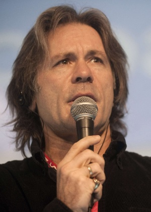 Bruce Dickinson, do Iron Maiden, dá palestra na Campus Party Colômbia, realizada em outubro deste ano