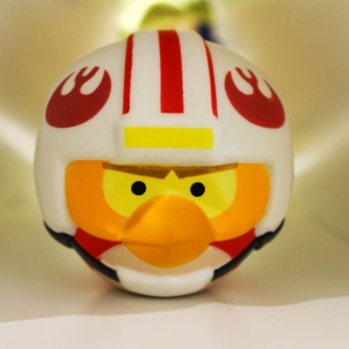 Detalhe do personagem Darth Vader do ''Angry Birds Star Wars'', exposto em loja conceito na sede da Rovio, em Espoo (Finlândia). Segundo a empresa, já são mais de 13 mil tipos de produtos inspirados pelo popular jogo
