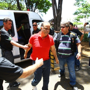 O publicitário Marcos Valério em 2013 durante uma transferência de prisão