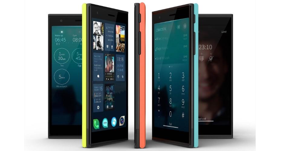 27.nov.2013 - Formada por ex-engenheiros da Nokia, a Jolla começou a vender nesta quarta-feira (27) o smartphone com o mesmo nome da companhia na Finlândia. O aparelho conta com um sistema operacional próprio chamado Salfish OS (baseado no sistema Meego, que era desenvolvido pela Nokia). O primeiro aparelho da Jolla tem tela de 4,5 polegadas, processador dual-core de 1,4 GHz, duas câmeras (uma traseira de 8 megapixels e uma frontal de 2 megapixels), 16 GB para armazenamento e 1 GB de memória RAM. Apesar de ter um sistema operacional único, a companhia adaptou aplicativos Android para funcionar no dispositivo - ao todo, o smartphones estreia com 85 mil apps. A princípio, o aparelho será vendido apenas na Europa por 399 euros (cerca de R$ 1.263)
