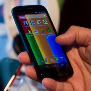 Smartphone Moto G roda Android 4.3 (Jelly Bean); Motorola garante update para versão Kit Kat