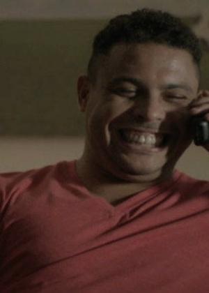 Ronaldo em cena de comercial da operadora Claro