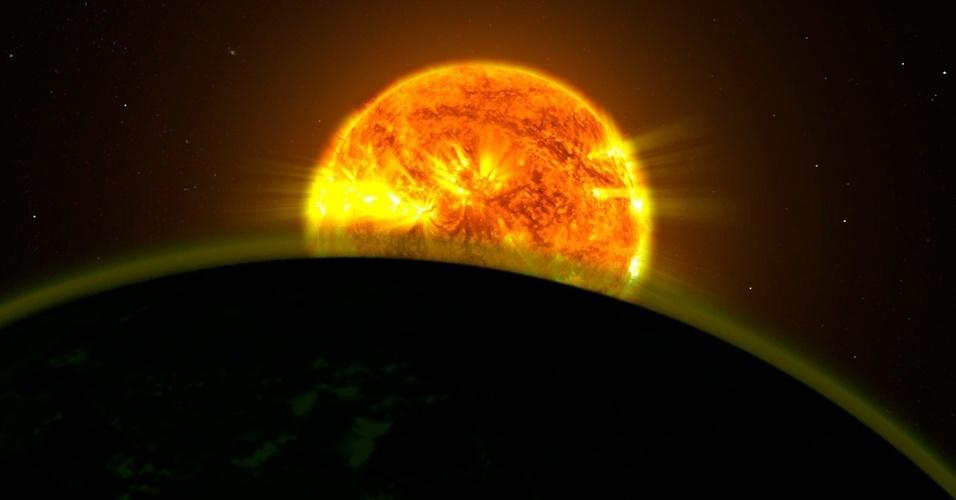 3.dez.2013 - Dois times de cientistas, usando o telescópio espacial Hubble, descobriram sinais de água na atmosfera de cinco exoplanetas distantes. Os planetas não são do tamanho da Terra, mas são planetas mais massivos conhecidos como Júpiters quentes porque eles orbitam próximo a suas estrelas. Os instrumentos do Hubble podem deduzir o tipo de gás na atmosfera destes planetas ao determinar que cores da luz da estrela são transmitidas e quais são absorvidas quando os planetas passam em frente à estrela