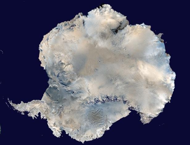 """Cientistas encontraram o ponto mais frio da Terra. Ele fica no leste da Antártida e registrou a temperatura de -93,2ºC em agosto de 2010. Em 31 de julho de 2013, o local estava """"um pouco mais quente"""", com temperatura de -93ºC"""