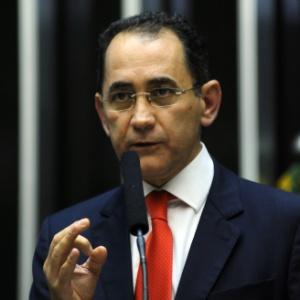 Deputado João Paulo Cunha (PT-SP) discursa na Câmara dos Deputados