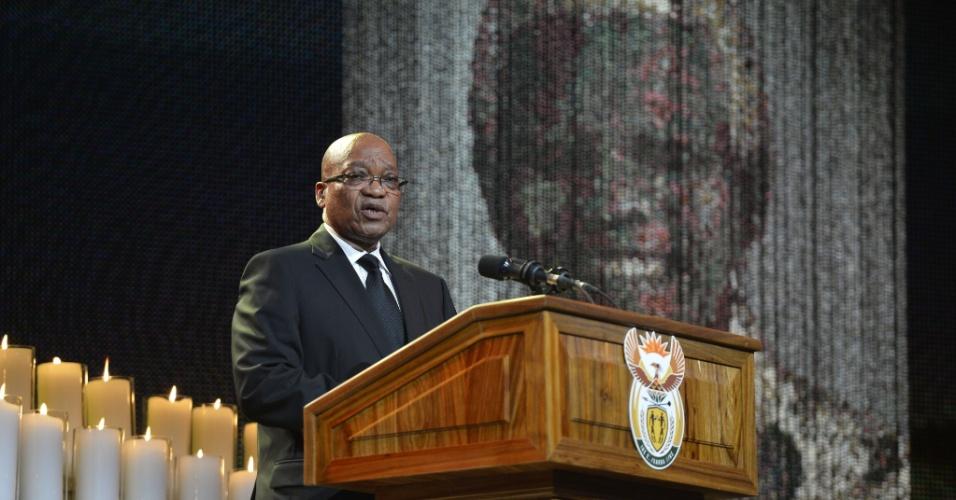 15.dez.2013 - O presidente da África do Sul, Jacob Zuma, discursa durante o funeral do ex-presidente sul-africano Nelson Mandela no vilarejo de Qunu, 900 km ao sul de Johanesburgo