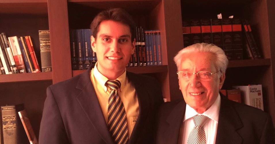 O avô Paulo Sassi, 76, e o neto Guilherme vão se formar juntos em direito pela Unisal