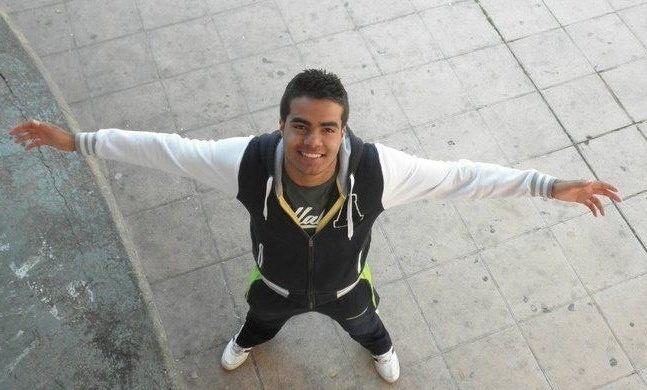 2.jan.2014 - A polícia espanhola realiza pesquisas para localizar um universitário brasileiro de 19 anos desaparecido na noite de Réveillon em uma festa em Zaragoza. O jovem Victor da Silva, que estuda na Universidade de Zaragoza, foi visto pela última vez em uma festa em um espaço com jardins situado nas proximidades do rio Ebro