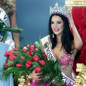 Mónica Spear quando foi eleita Miss Venezuela 2004