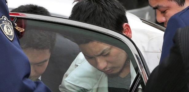Yuta Sugimoto, de 20 anos, suspeito de ter participado do estupro coletivo de uma mulher em Kawasaki, subúrbio de Tóquio, foi preso