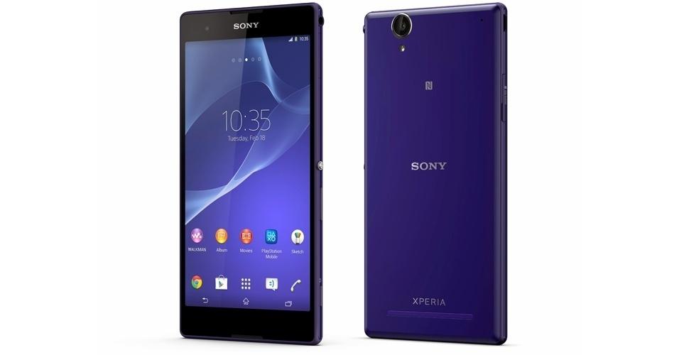13.jan.2014 - A Sony lançou o Xperia T2 Ultra, smartphone com tela de 6 polegadas (quase um a de um tablet) com tecnologia Triluminos (usada na linha de TVs Bravia da fabricante) e resolução de 1280×720 pixels. O aparelho vem com processador quad-core de 1,4 Ghz, 1 GB de RAM, 8 GB de armazenamento interno (pode ser expandido com cartão microSD) e Android 4.3 (Jelly Bean). A câmera traseira é de 13 megapixels (a frontal é de 1,1 megapixel). Além do suporte a 4G, há uma versão para uso com dois chips de operadora. O preço não foi divulgado