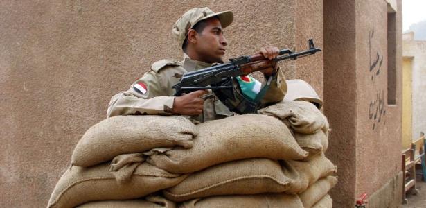 Um forte esquema de segurança foi montado em todo o Egito durante o referendo da nova Constituição do país